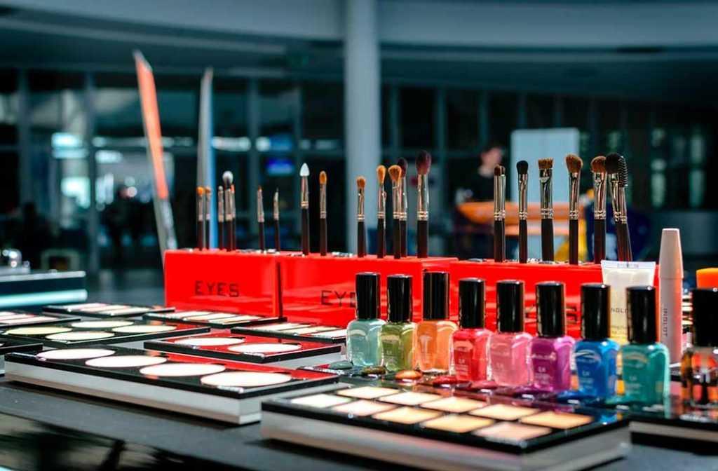 11 лучших интернет магазинов косметики